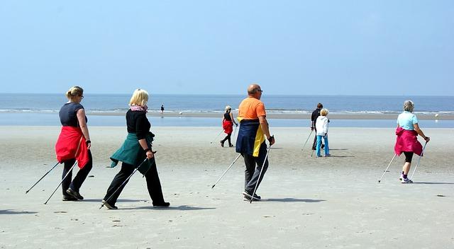 nordic walking na pláži